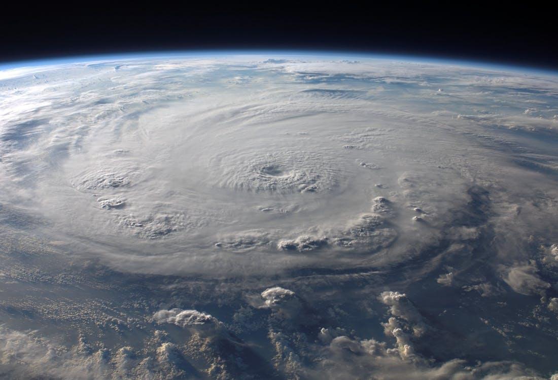 76969_cold-front-warm-front-hurricane-felix_Image_Pixabay