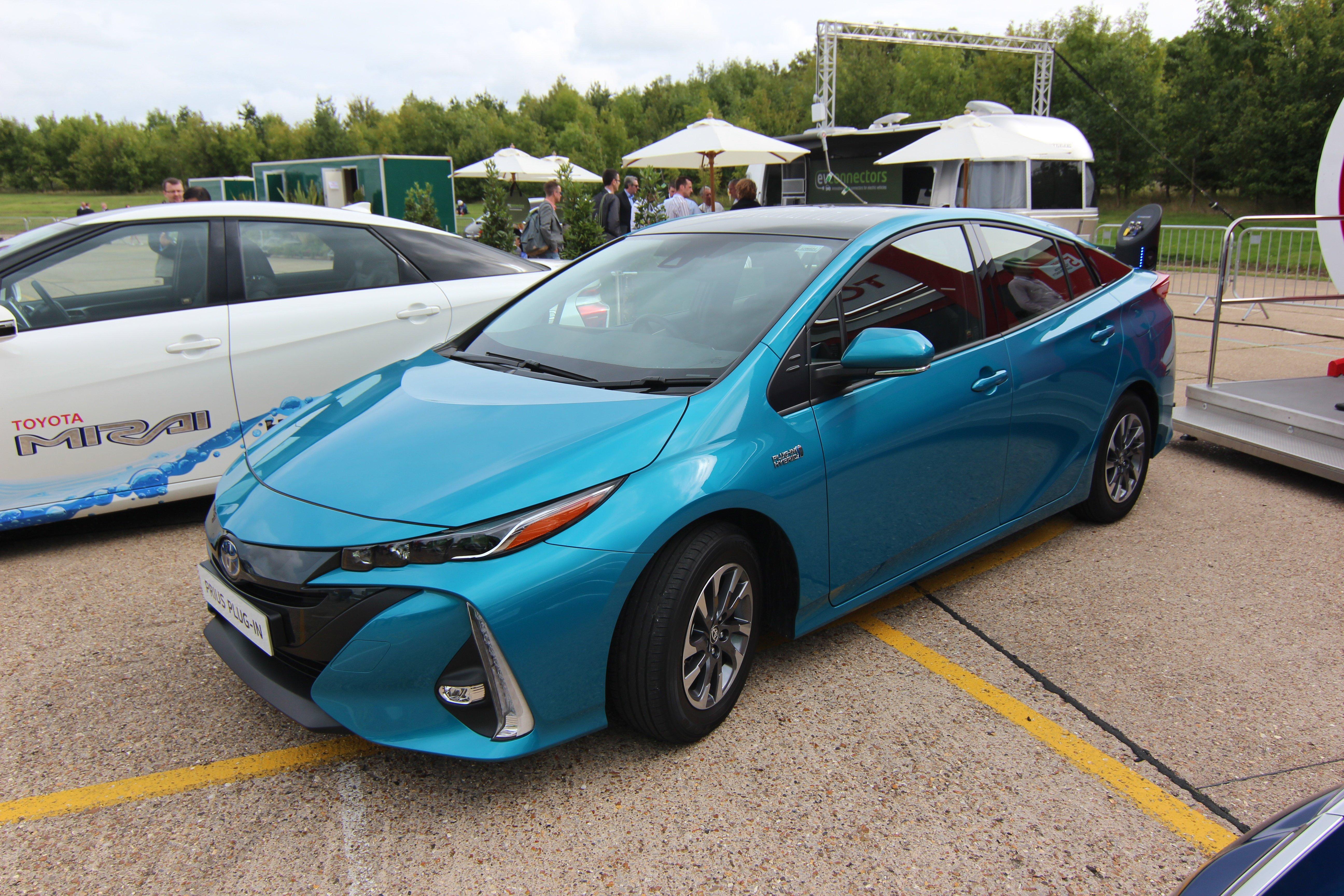 IMG-9169_ToyotaPriusPlugin_Cenex-LCV2017_TLarkum
