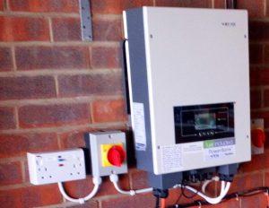 Level 1 Backup: Double socket powered by battery inverter via isolator switch (Image: Tanjent)